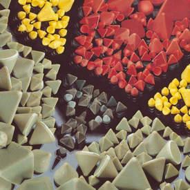 Chips abrasivos para rebarbação e tamboreamento